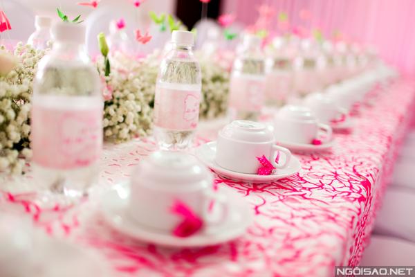 Địa chỉ may gia công áo phủ ghế tiệc cưới